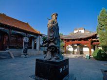 陈王廷铜像