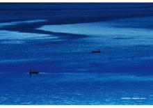 湛蓝泸沽湖
