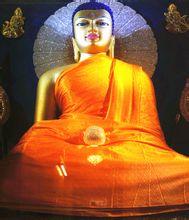 菩提迦耶释迦牟尼佛等身像